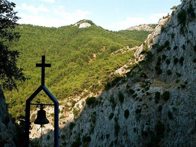 Ιερά Μονή Ζωοδόχου πηγής Κακοπέρατου