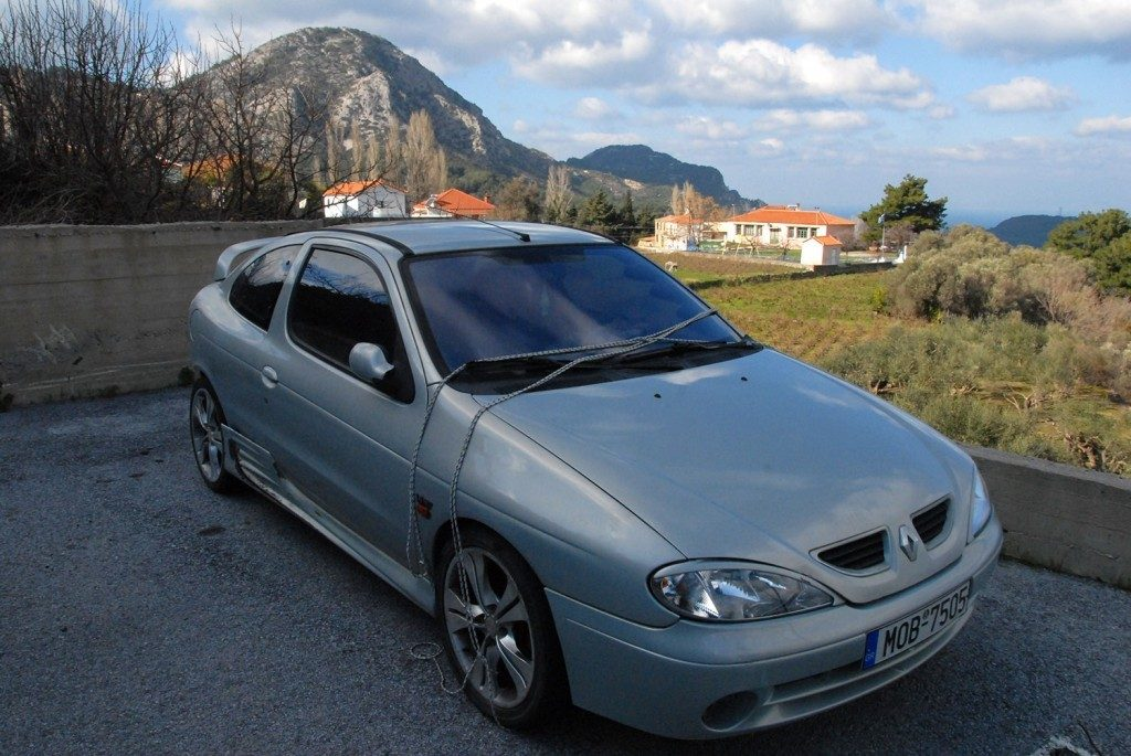 Φωτογραφία της ημέρας. Αυτοκίνητο στην Καστανιά