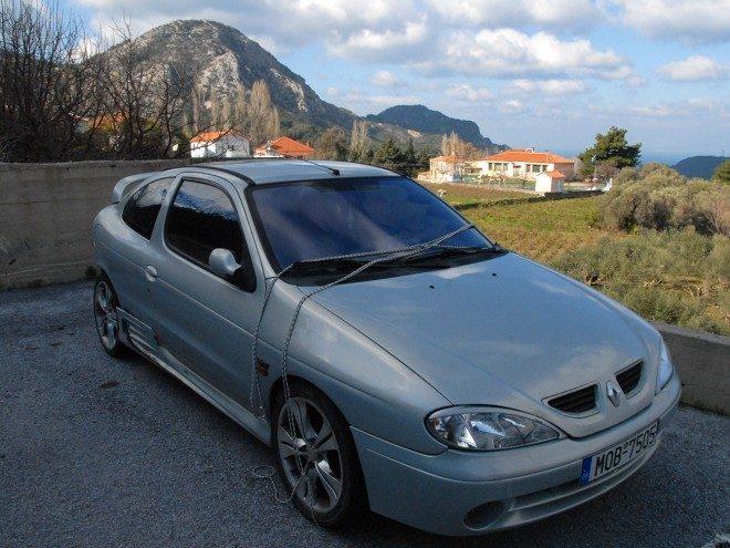 Φωτογραφία της ημέρας Αυτοκίνητο στην Καστανιά
