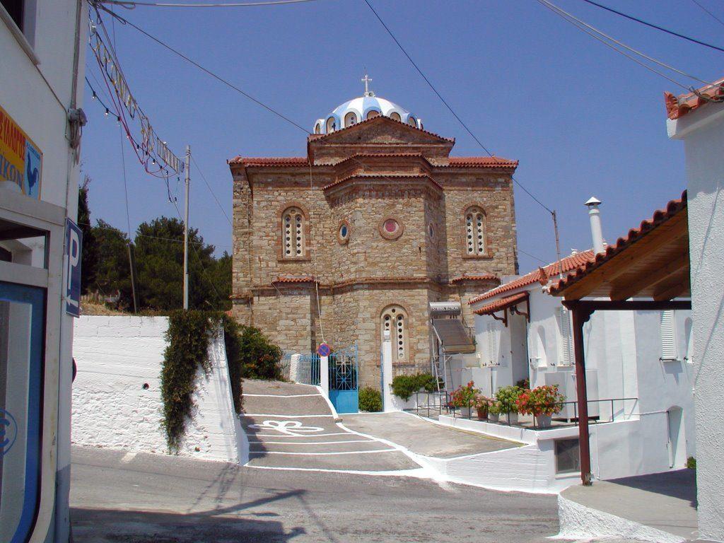Κονταίικα, η εκκλησία