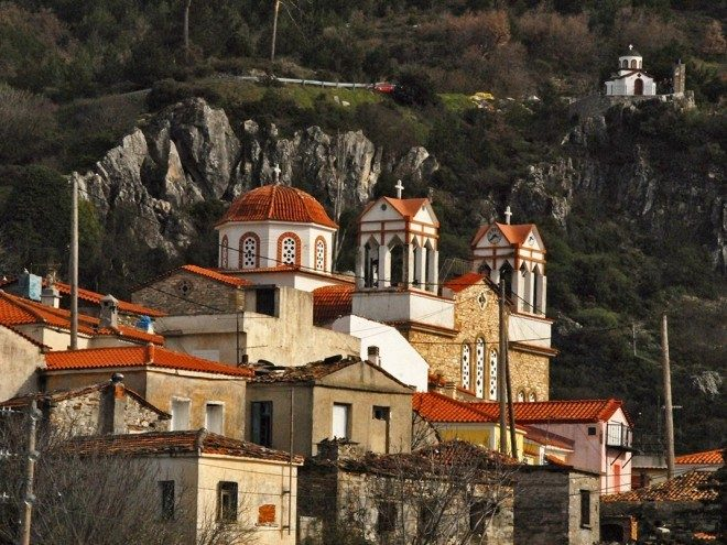 Σπαθαραίοι. Η εκκλησία - Spatharei Samos