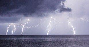 Καταιγίδα στα ανοιχτά