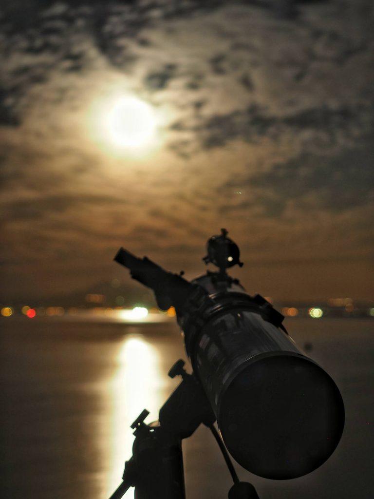 Πανσέληνος με τηλεσκόπιο