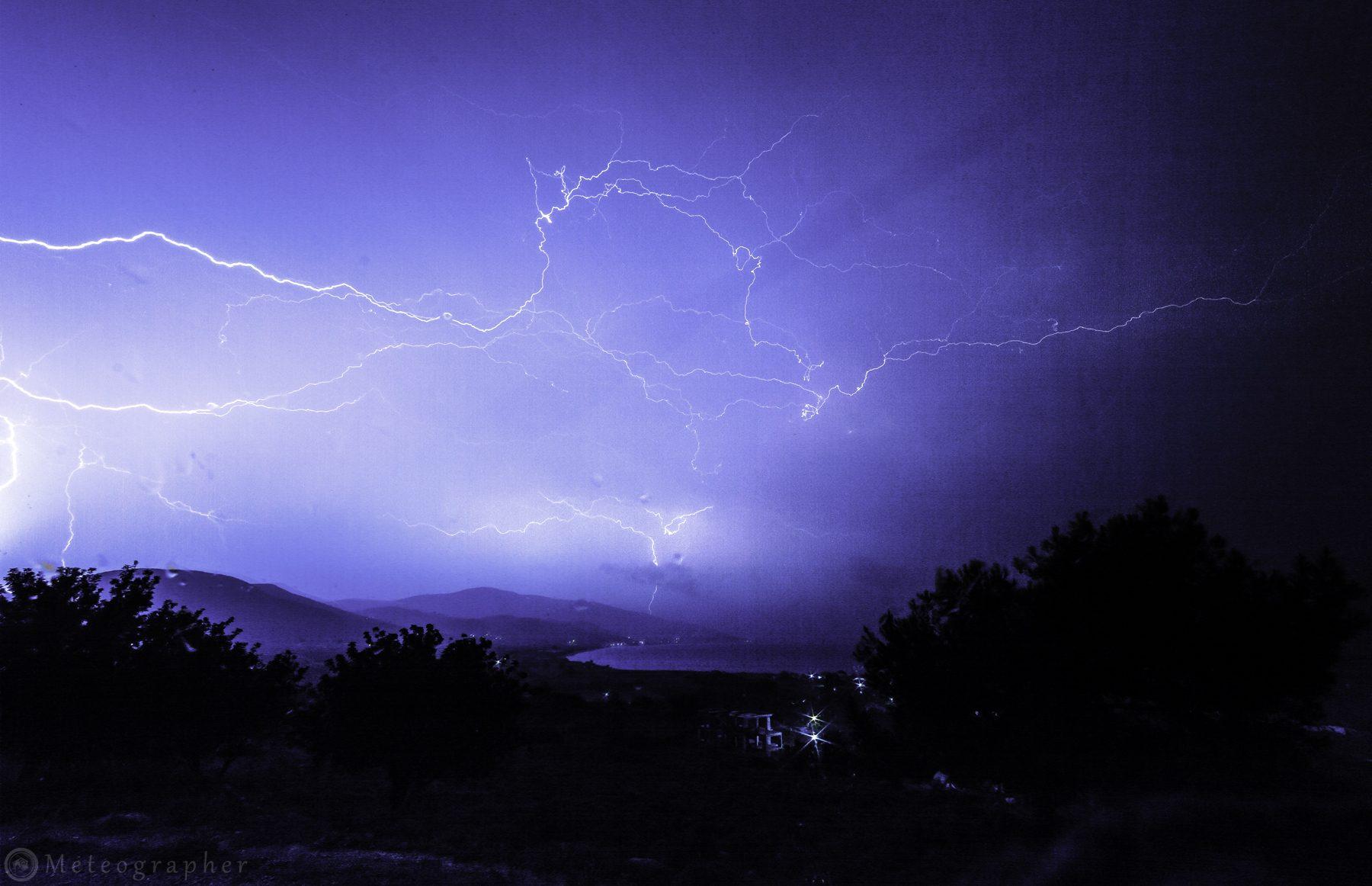Καταιγίδα - Μεσόκαμπος